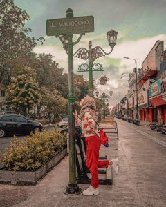 malioboro street is tourist destination in yogyakarta
